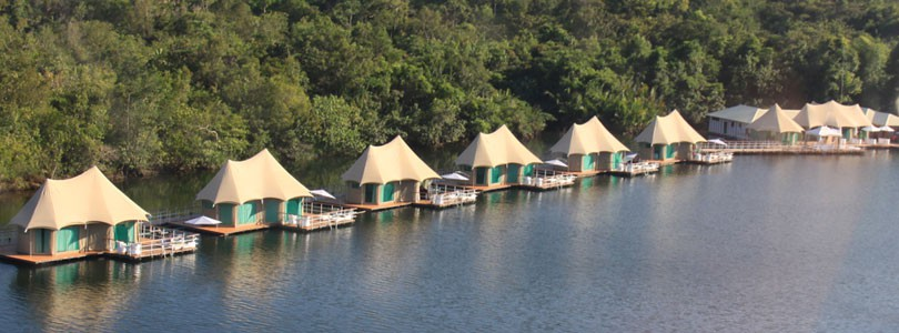 4 rivers luxury floating lodge in Cambodia
