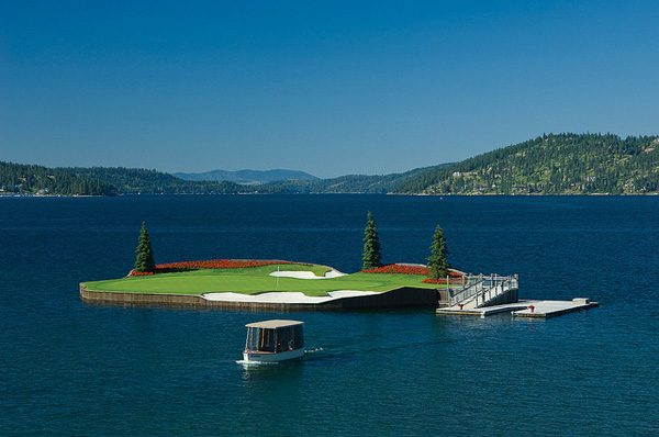 a-floating-golf-course-in-coeur-dalene-that-moves-7