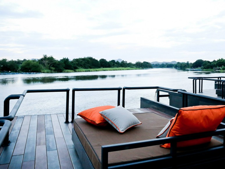 X2 River Kwai Resort x float Thailand Roof Terras